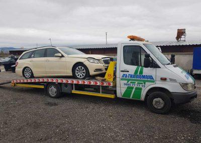 пътна-помощ-репатриране-mercedes E320